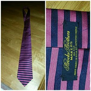 Brooks brothers 100 % silk tie makers pink blue